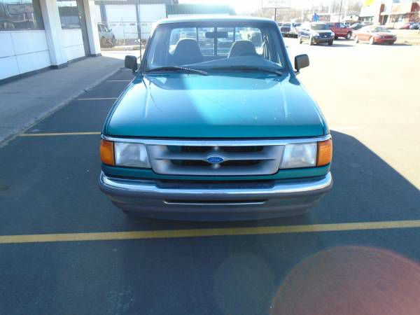 1996 FORD RANGER XL 2DR STANDARD CAB SB green great little work truck gas saver or just a secon