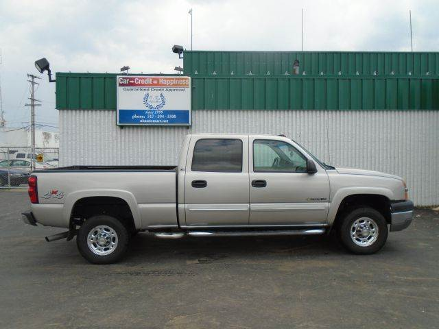 2004 CHEVROLET SILVERADO 2500HD LS 4DR CREW CAB 4WD SB silver there have been no accidents report