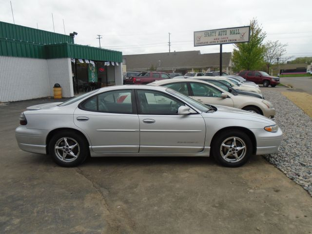 2003 PONTIAC GRAND PRIX GT 4DR SEDAN silver leather loaded  sun roof  must see  call us fo