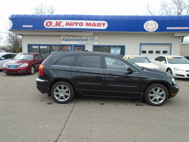 2007 CHRYSLER PACIFICA LIMITED AWD 4DR WAGON black limited  leather  dvd pkg awd  must see