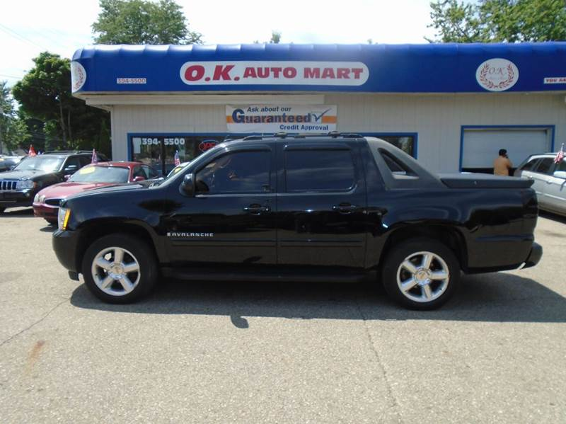 2007 CHEVROLET AVALANCHE LTZ 1500 4DR CREW CAB 4WD SB black loaded  leather  sun roof  na