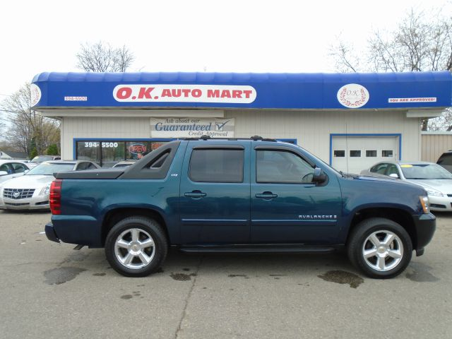 2007 CHEVROLET AVALANCHE LTZ 1500 4DR CREW CAB 4WD SB green one owner  ltz  loaded  leathe
