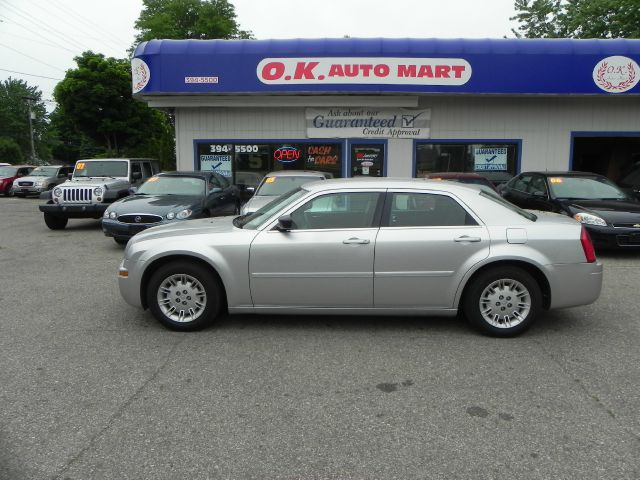2005 Chrysler 300 for sale in Lansing MI