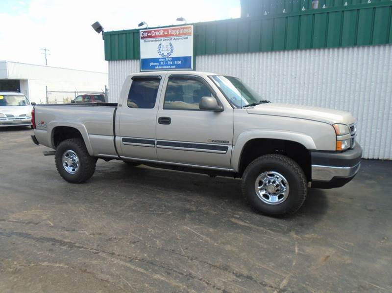 2006 CHEVROLET SILVERADO 2500HD LS 4DR EXTENDED CAB 4WD SB pewter one owner  low mile  auto