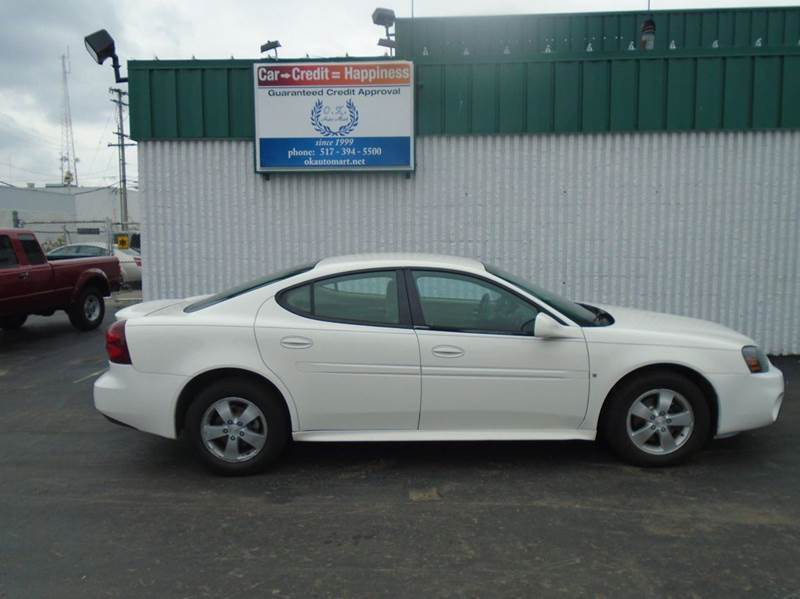 2008 PONTIAC GRAND PRIX BASE 4DR SEDAN white there have been no accidents reported to autocheck f