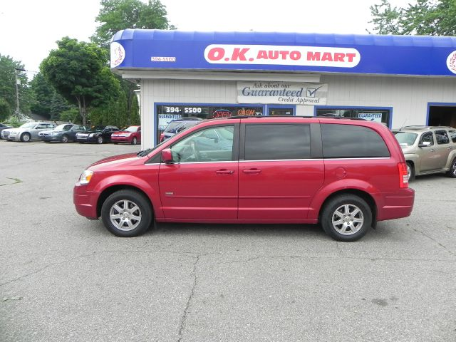 2008 Chrysler Town and Country for sale in Lansing MI
