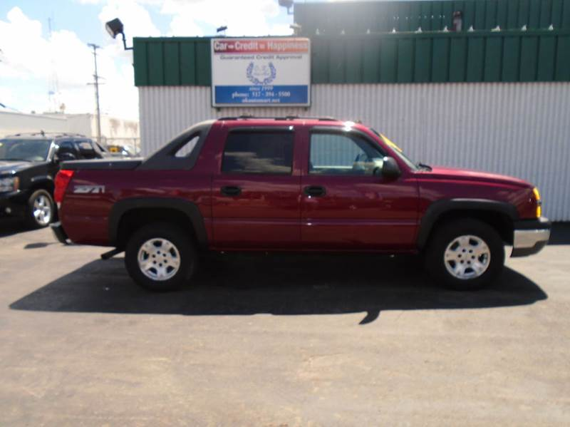 2004 CHEVROLET AVALANCHE 1500 4DR CREW CAB 4WD burg one owner low mile  z71  sun roof