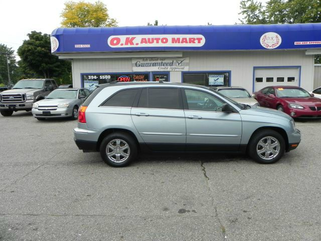 2006 CHRYSLER PACIFICA TOURING AWD 4DR WAGON blue low mile leather loaded  sun roof  4wd