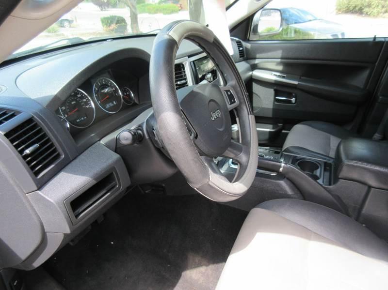 2010 Jeep Grand Cherokee 4x4 Laredo 4dr SUV - Albuquerque NM