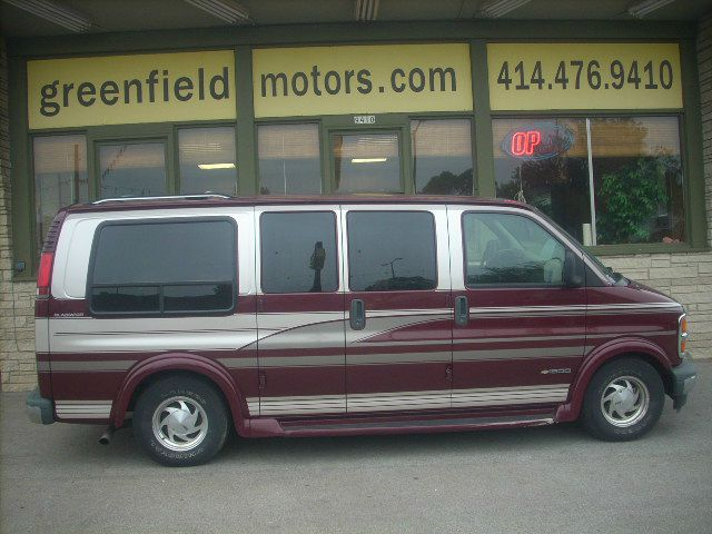1999 Chevrolet Express for sale in MILWAUKEE WI