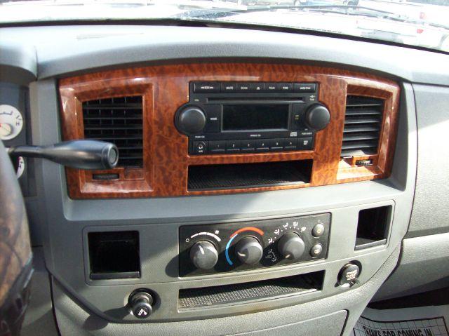 2006 Dodge Ram Pickup 1500 Slt 4dr Quad Cab Sb In Arcola