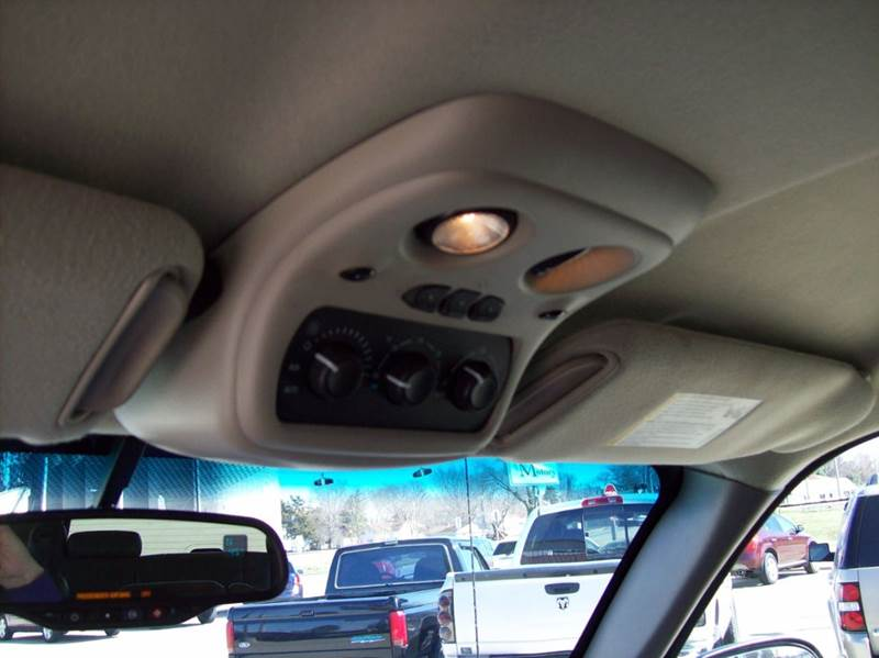 2005 Chevrolet Suburban 1500 LT 4WD 4dr SUV - Arcola IL