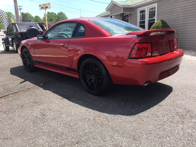 2001 Ford Mustang GT Deluxe 2dr Coupe - Newton NC
