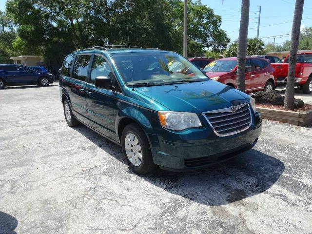 2009 Chrysler Town and Country LX Mini Van 4dr - Largo FL