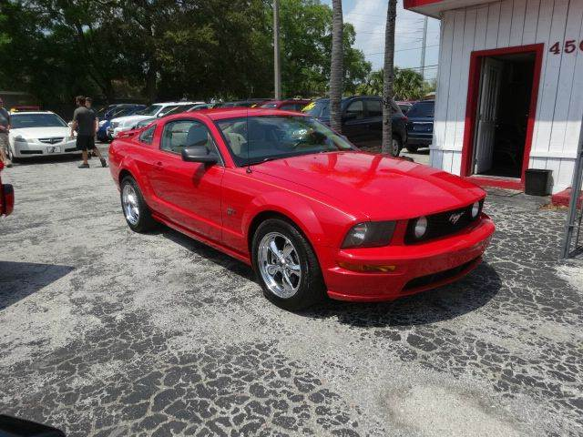 2006 Ford Mustang GT Deluxe 2dr Fastback - Largo FL