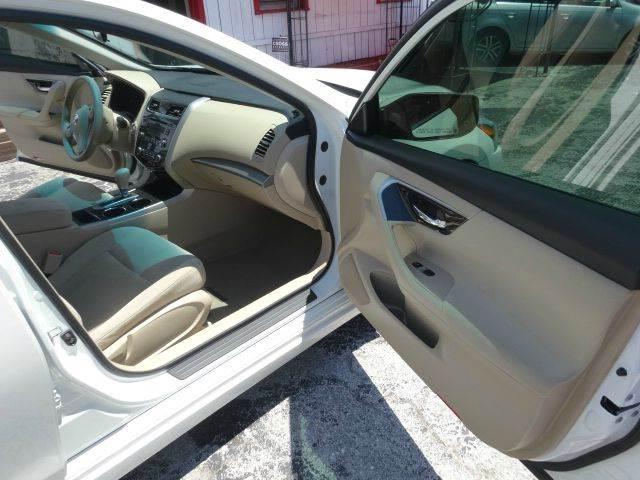 2014 Nissan Altima 2.5 S 4dr Sedan - Largo FL