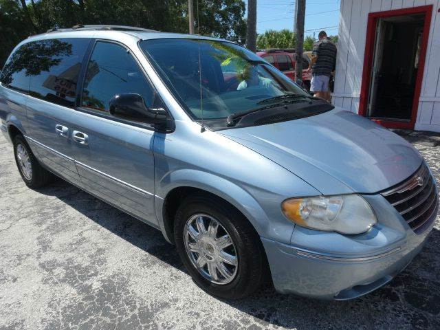 2005 Chrysler Town and Country Limited 4dr Extended Mini-Van - Largo FL