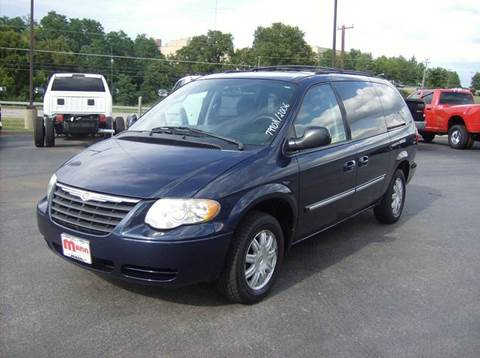 2006 Chrysler Town and Country for sale in Maysville, KY
