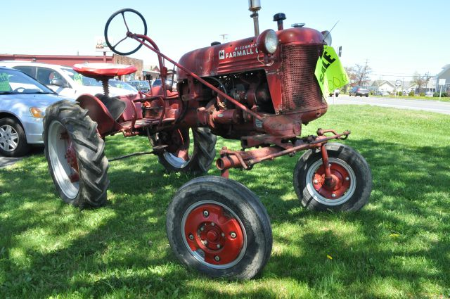 1949 International FARMALL CUB
