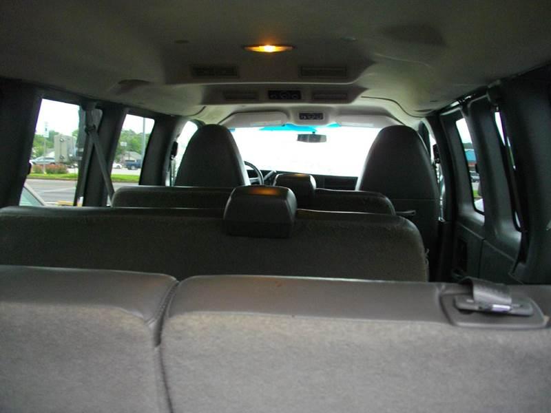 2013 Chevrolet Express Passenger LS 3500 3dr Passenger Van w/ 1LS - Lufkin TX