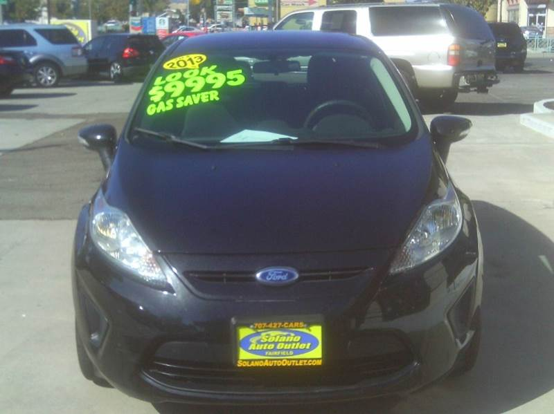 2013 Ford Fiesta SE 4dr Hatchback - Fairfield CA