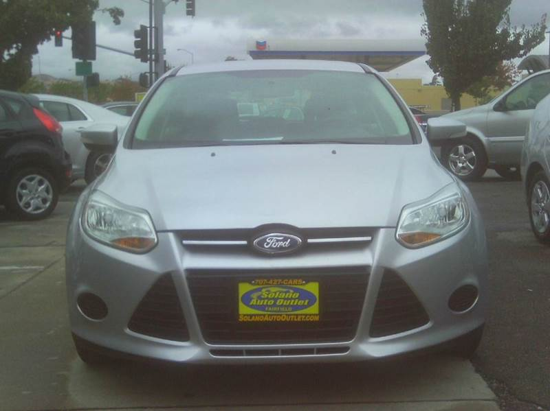 2014 Ford Focus SE 4dr Hatchback - Fairfield CA