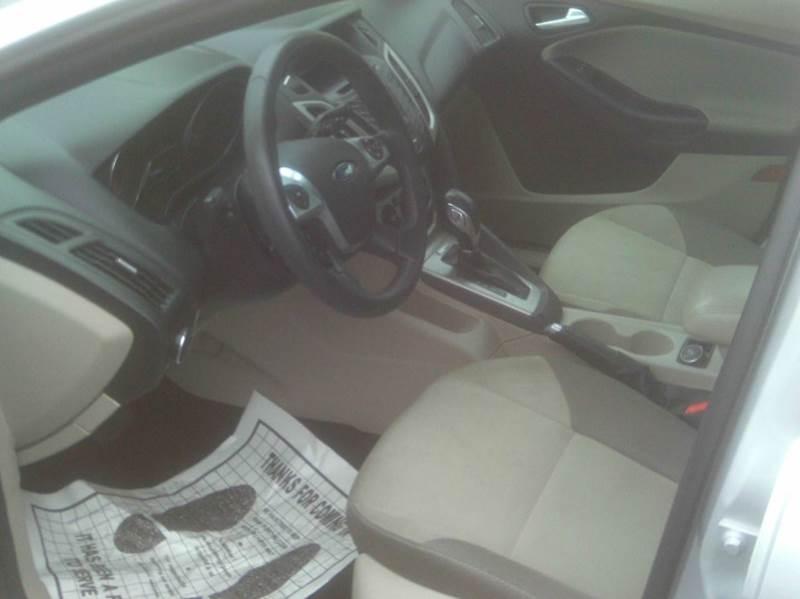 2014 Ford Focus SE 4dr Hatchback - Fairfield CA