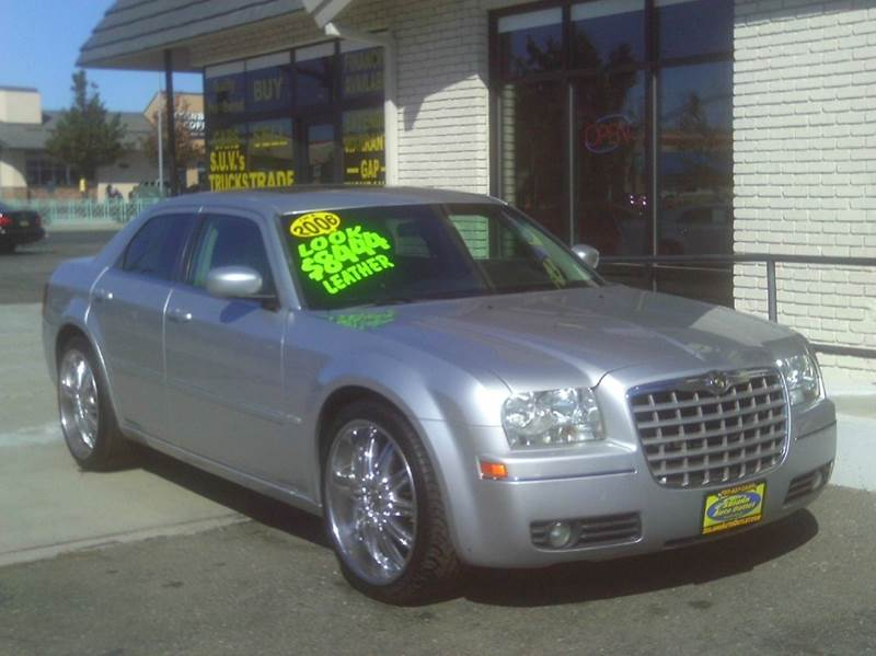 2006 Chrysler 300 Touring 4dr Sedan - Fairfield CA