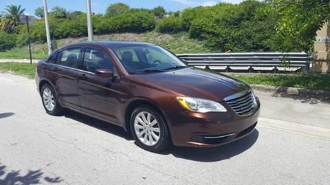 2013 Chrysler 200 for sale in Miami, FL