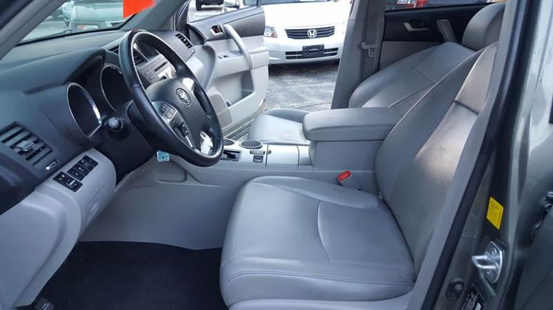 2011 Toyota Highlander SE AWD 4dr SUV - Cudahy WI