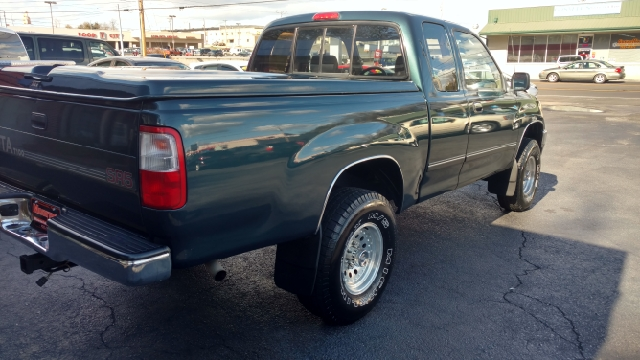 1995 Toyota T100 2dr Sr5 4wd Extended Cab Sb In