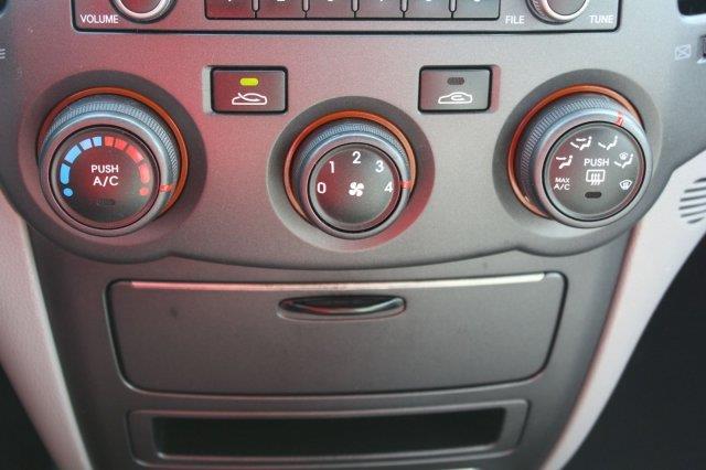2010 Kia Optima LX 4dr Sedan (I4 5A) - Edmonds WA