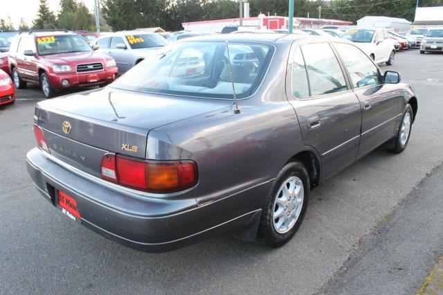1996 Toyota Camry LE 4dr Sedan - Edmonds WA