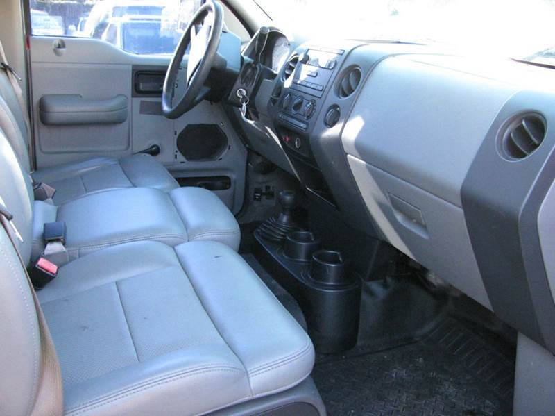 2005 Ford F-150 2dr Regular Cab XL 4WD Styleside 8 ft. LB - Tampa FL