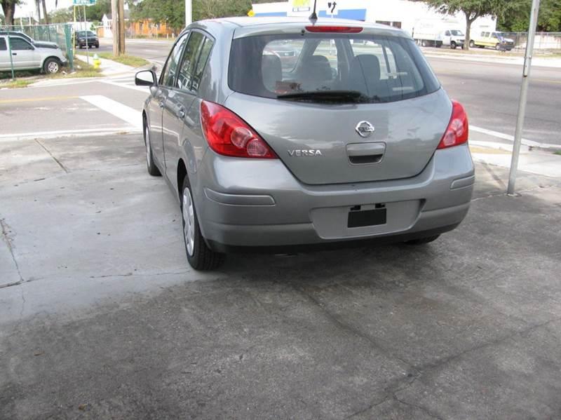 2011 Nissan Versa 1.8 S 4dr Hatchback 4A - Tampa FL