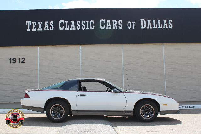 1985 chevrolet camaro base for sale in dallas addison arlington texas classic cars of dallas. Black Bedroom Furniture Sets. Home Design Ideas