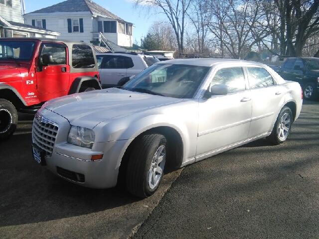 2007 Chrysler 300 Touring 4dr Sedan - Hudson Falls NY