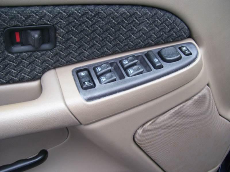 2004 Chevrolet Avalanche 4dr 1500 Crew Cab SB RWD - Whiteland IN
