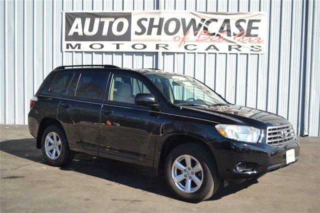 2009 TOYOTA HIGHLANDER BASE AWD 4DR SUV black low miles this 2009 toyota highlander base will