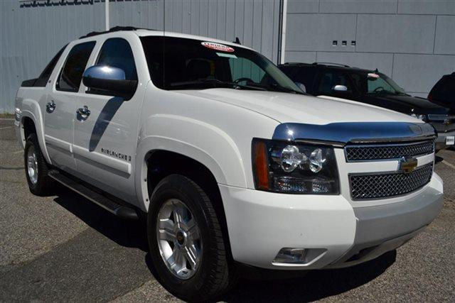 2009 CHEVROLET AVALANCHE LS 4X4 CREW CAB 4DR summit white this 2009 chevrolet avalanche 4dr 4wd c