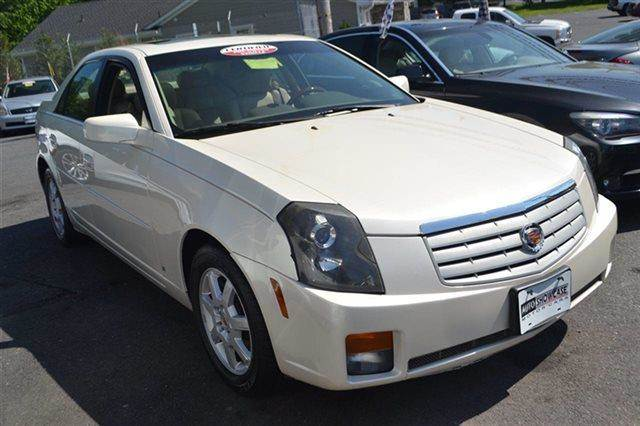 2007 CADILLAC CTS 4DR SEDAN 36L SEDAN white diamond new arrival priced below market this 200