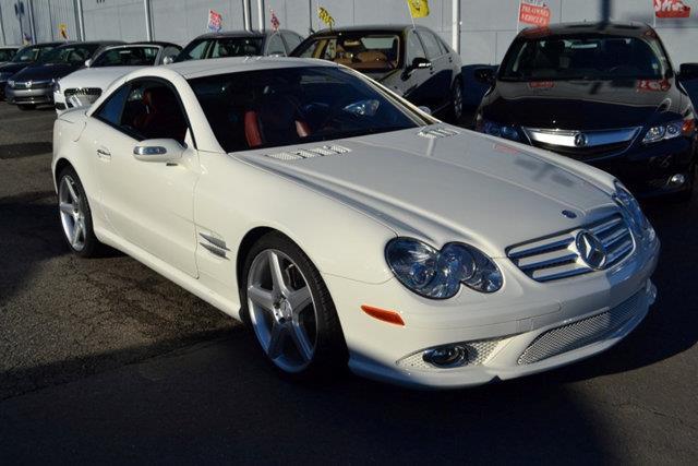 2007 MERCEDES-BENZ SL-CLASS SL550 2DR CONVERTIBLE white this 2007 mercedes-benz sl-class 2dr sl55