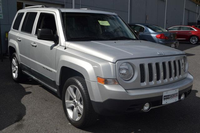 2011 JEEP PATRIOT LATITUDE silver this 2011 jeep patriot 4dr latitude features a 24l 4 cylinder