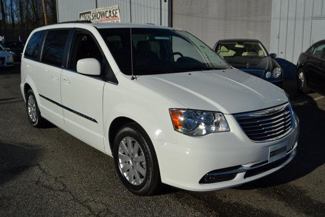 2014 CHRYSLER TOWN AND COUNTRY TOURING 4DR MINI VAN white this 2014 chrysler town  country 4dr 4