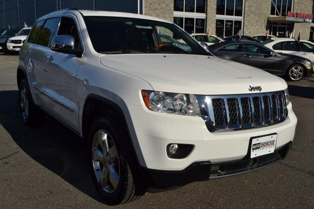 2013 JEEP GRAND CHEROKEE OVERLAND 4WD white this 2013 jeep grand cherokee overland 4wd features a