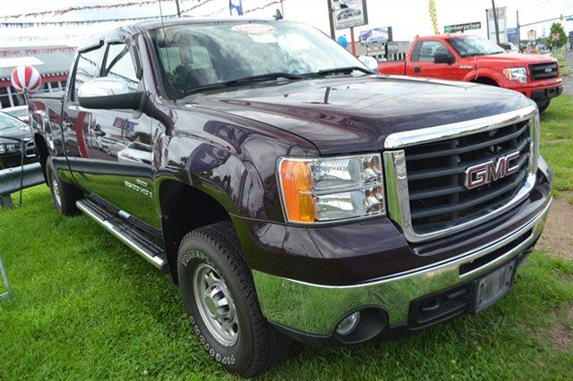 2008 GMC SIERRA 2500HD - dark crimson metallic low miles this 2008 gmc sierra 2500hd slt will