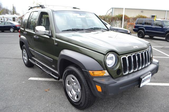 2007 JEEP LIBERTY SPORT 4DR SUV 4WD green this 2007 jeep liberty 4dr 4wd 4dr sport features a 37