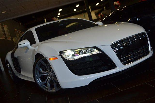 2011 AUDI R8 52 QUATTRO AWD 2DR COUPE 6M ibis white this 2011 audi r8 52l will sell fast low
