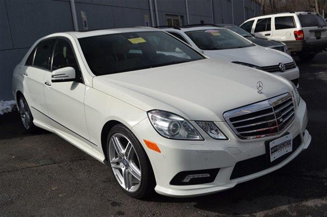 2011 MERCEDES-BENZ E-CLASS 4DR SEDAN E550 SPORT 4MATIC AWD arctic white priced below market t