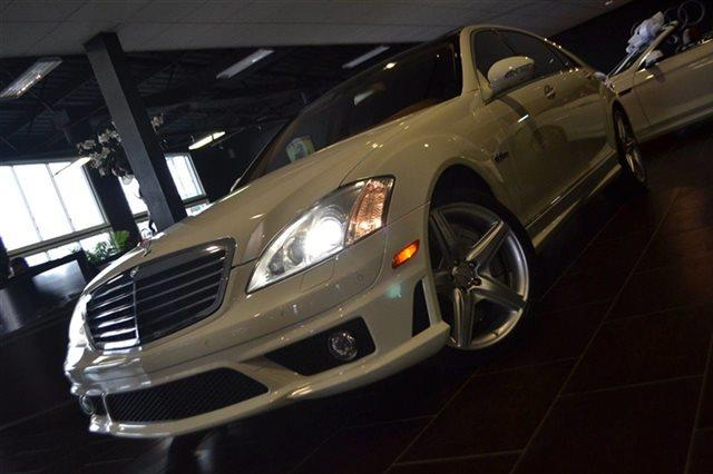 2009 MERCEDES-BENZ S-CLASS S63 AMG 4DR SEDAN white low miles this 2009 mercedes-benz s-class 6